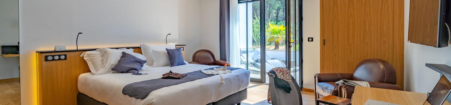 chambres h tel l 39 le de r h tel spa restaurant au bois plage en r. Black Bedroom Furniture Sets. Home Design Ideas