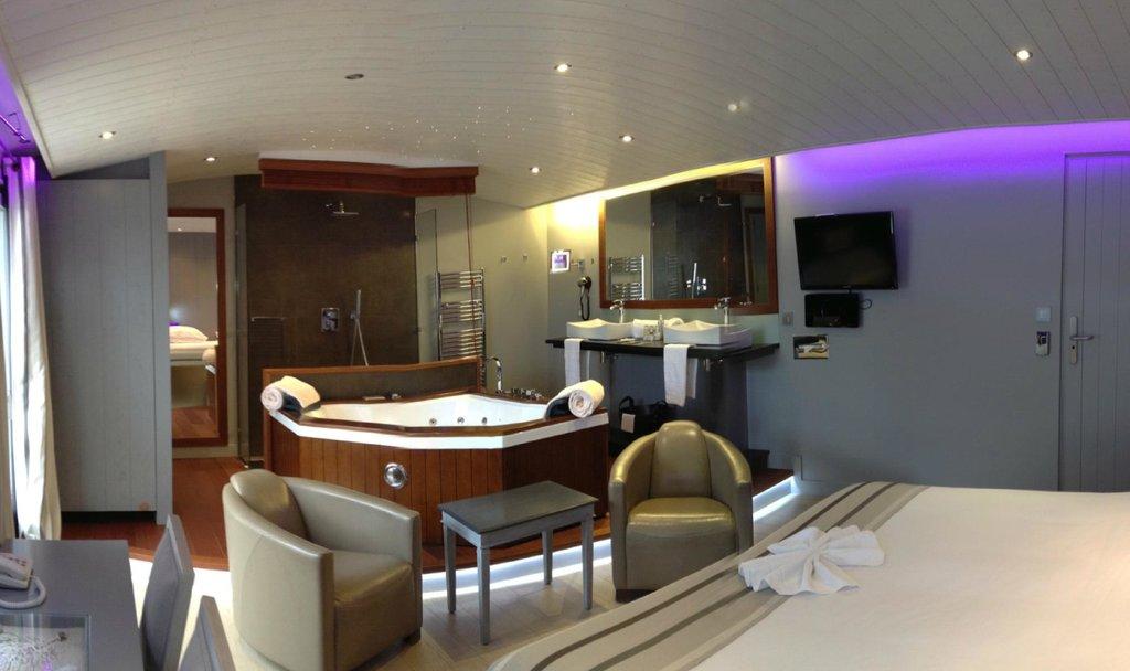 Balneo Room